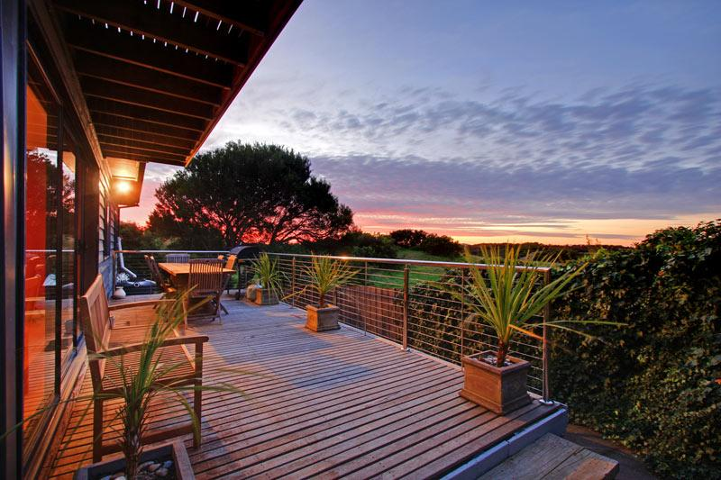 Enjoy a Peninsula getaway in the exclusive St Andrews Beach with views over to Arthurs Seat.