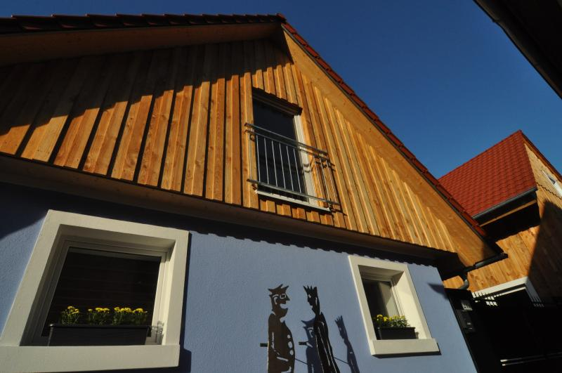 AUSFAHRT FREIBURG - Haus Hannah, holiday rental in Umkirch