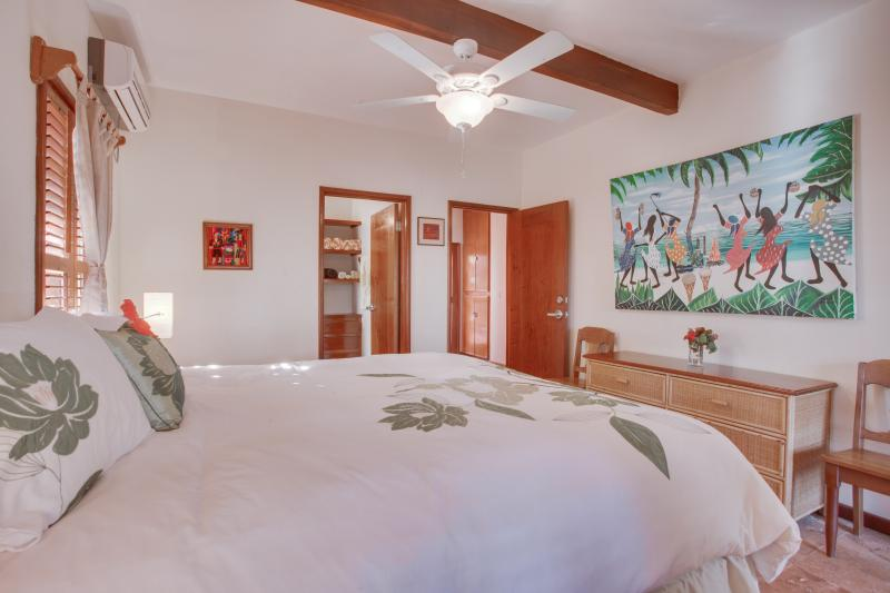 Guest bedroom with private en suite