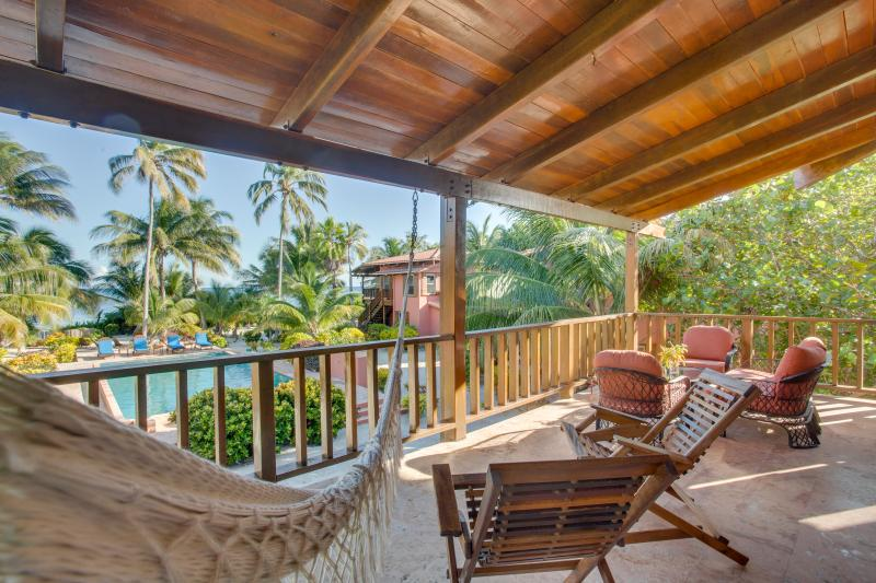 Large Upper Deck to view Ocean and Pool.
