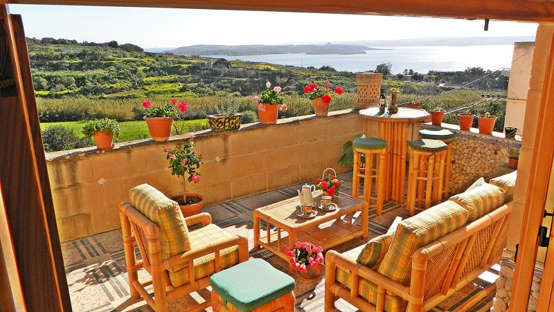 Charming Gozo Holiday Home with 3 Sea view Terraces Near The Sea, holiday rental in Ghajnsielem