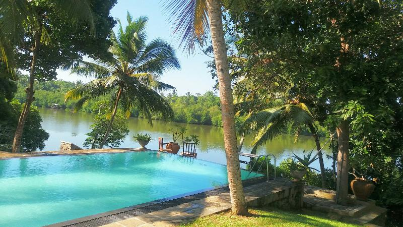 Amazing Private Boutique Villa, holiday rental in Elpitiya
