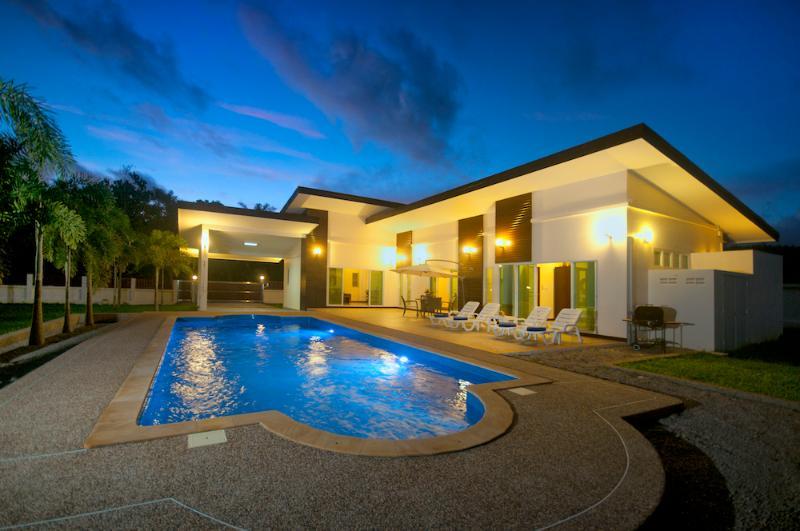 """Krabi Zen Villa """" Lotus """", holiday rental in Pak Nam"""