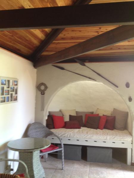 Ti Caze Dodo, petite case créole (couple + 2enfts), holiday rental in Etang-Sale les Hauts
