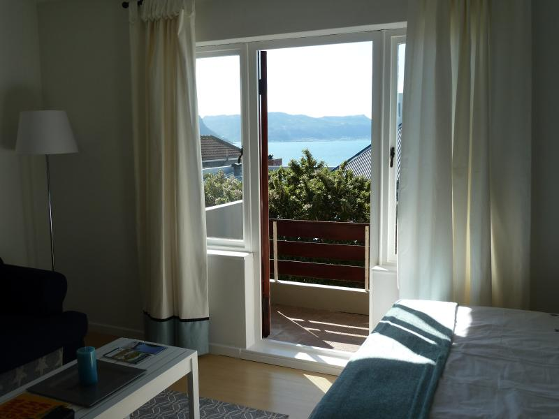 Self catering apartment - Simons Town, holiday rental in Simon's Town