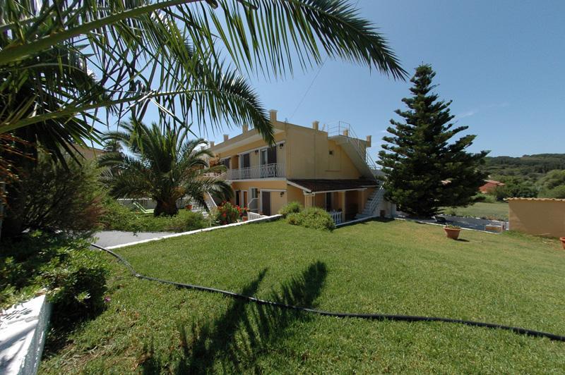 VILLA NATASSA Apartments, holiday rental in Afionas