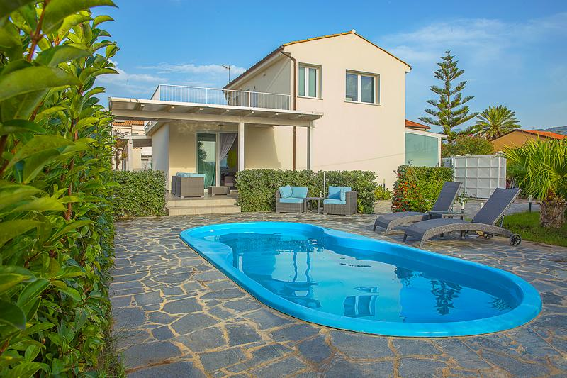 Villa's view and pool