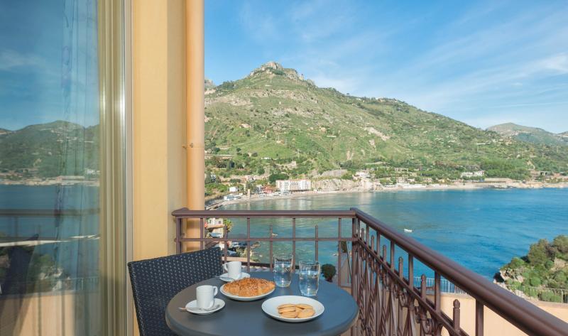 Taonasi VALERIA Apartment, vacation rental in Taormina
