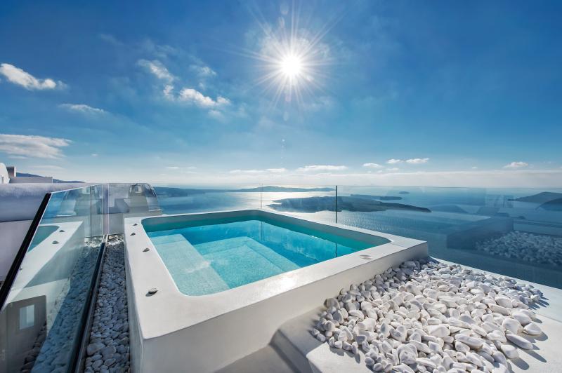 Privater Whirlpool Tauchbecken zur Verfügung. Genießen Sie diese erstaunliche Ansicht.