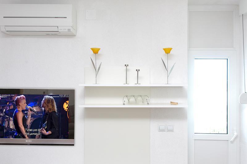 TV, Klimaanlage, Balkontuer
