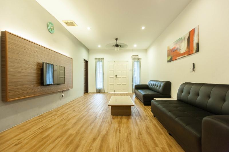 Leisure Home Stay - Lemak unit, holiday rental in Kuala Lumpur
