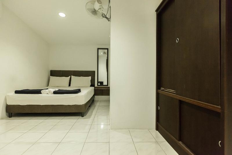 The Third Queen Bedroom