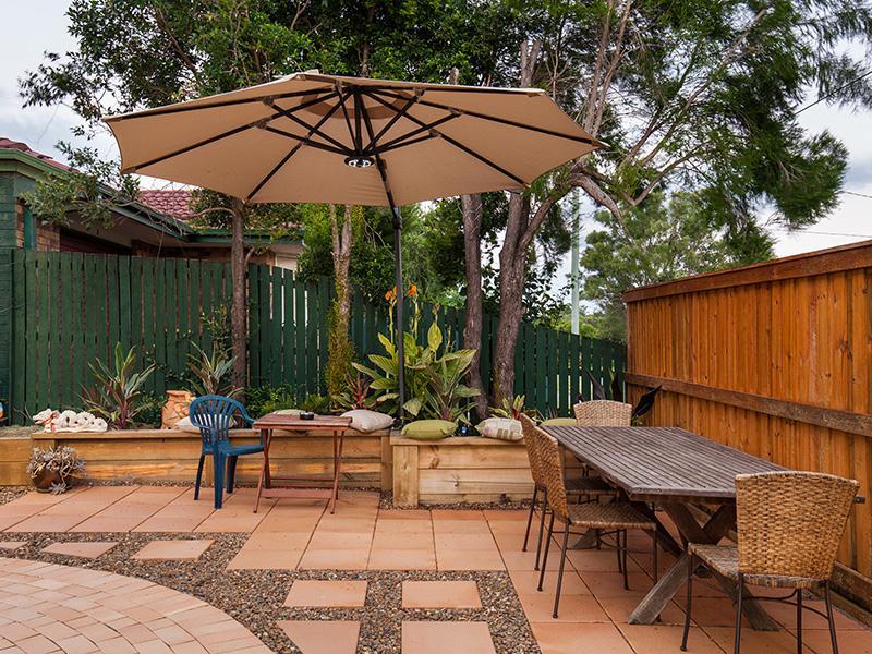 Private Garden & Smoking Area