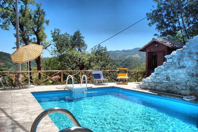 Casa Fiorenzo, vacation rental in Cessapalombo