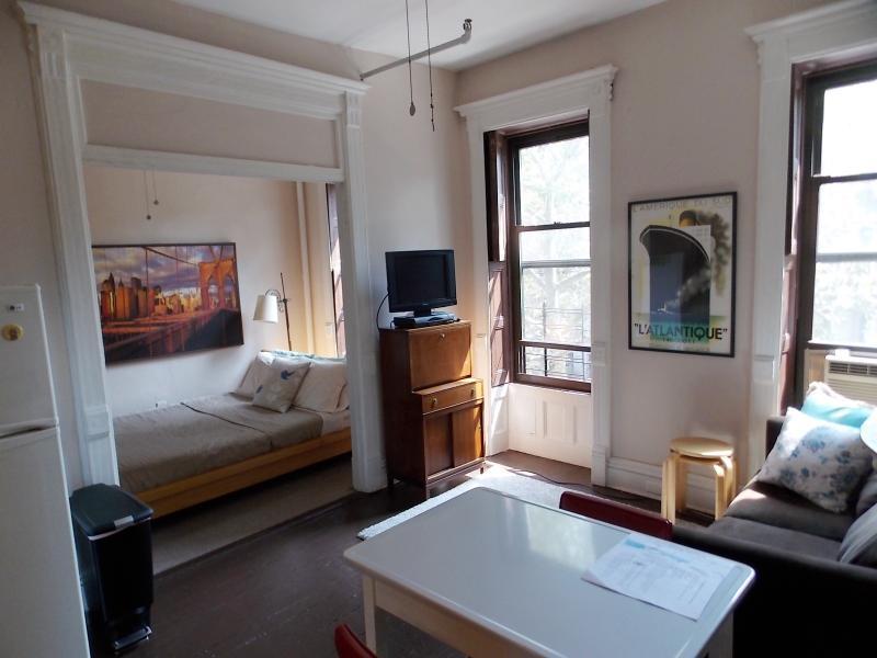 Obwohl klein, ein separater Raum zum schlafen, Essen und entspannen.