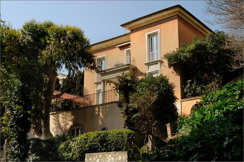 Villa Rima, holiday rental Nice center, green and quiet . 5 min walk to old city.10 min  to beaches