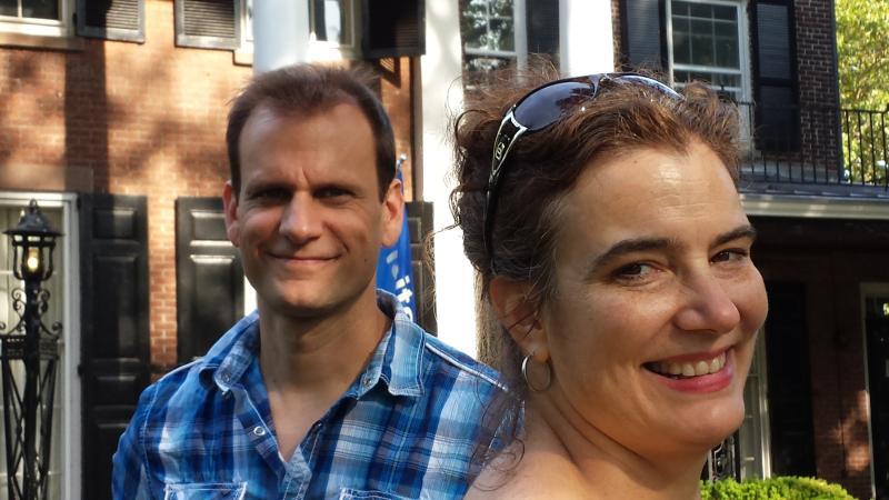 Leecia y Mike, sus anfitriones