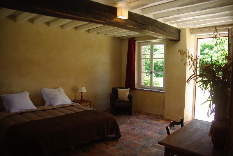 Chambre d'hôte Jardin Solstice  à Vaupillon, location de vacances à Eure-et-Loir