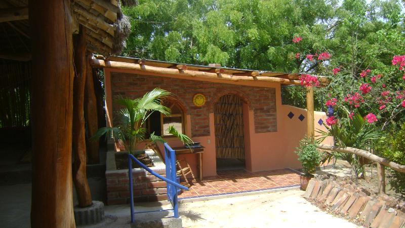 Farm Stay Private Room w/ Bathroom, alquiler de vacaciones en Jinotepe