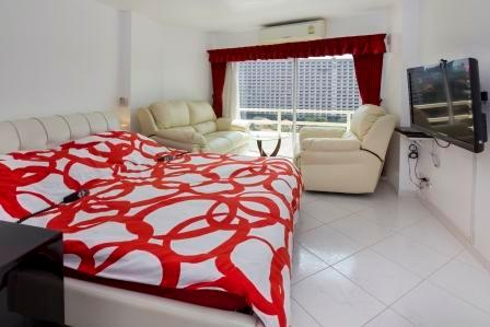 VIP Condominium for rent, cheaper than in a Hotel, holiday rental in Pattaya