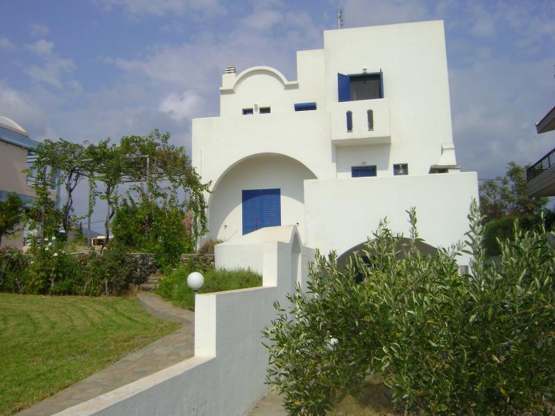 Villa Dome Gennadi ,300meters from the beach, vacation rental in Gennadi