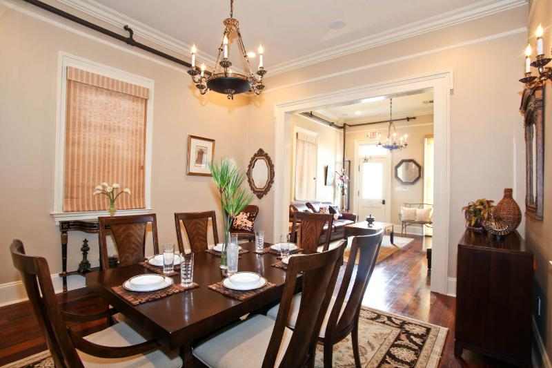 Dining room with 1830s decor