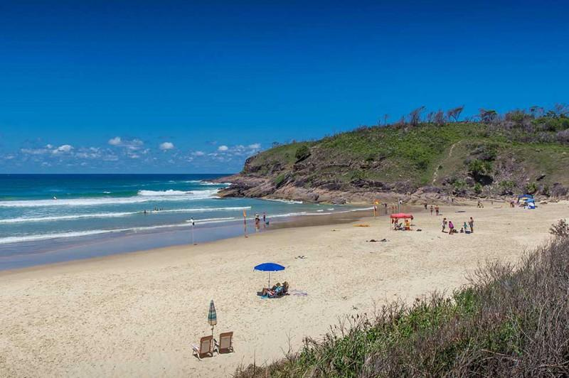 Grassy Head Beach -less than 1 km away - beautiful , uncrowded, surfing , fishing , swimming.