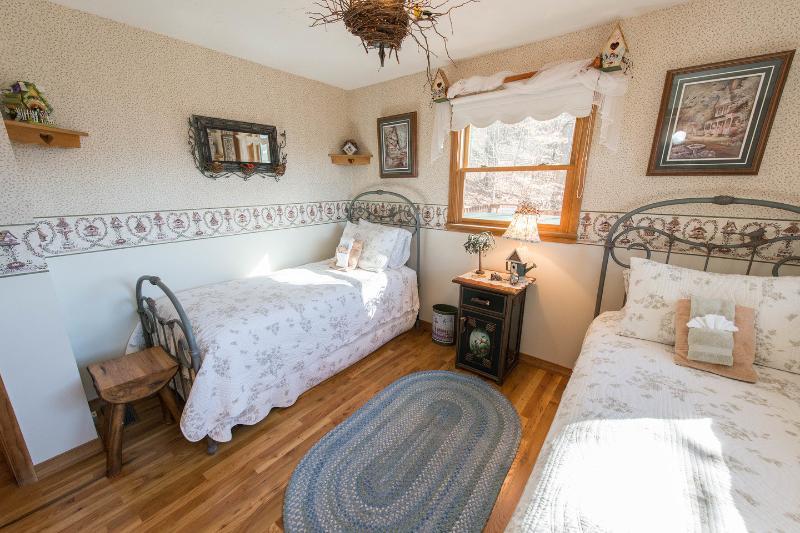 The Twin Bedroom