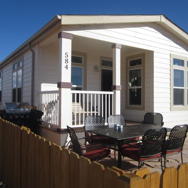 Front courtyard with Stainless BBQ, patio set, porch with bench