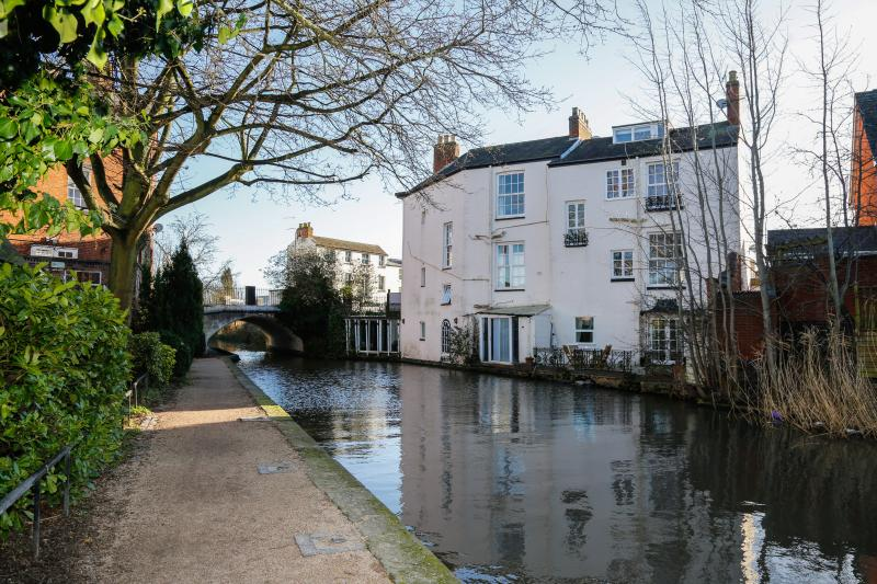 Beautiful canal side building houses this 2 bedroom apartment
