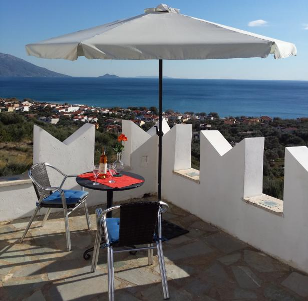 Kastro villa, holiday rental in Votsalakia