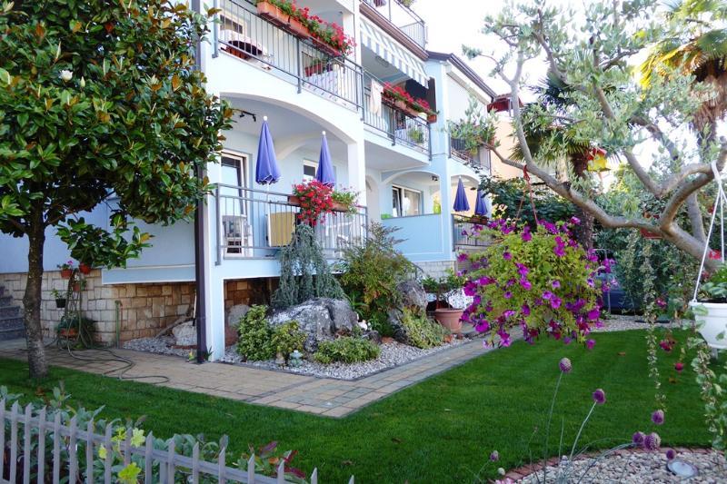 Villa Tina Apartments, holiday rental in Porec