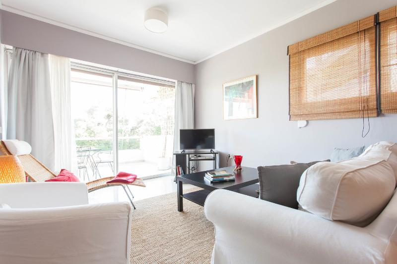 Luxury Apartment  Next to the beach, all seasons!!, holiday rental in Athens