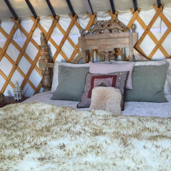 Romantic & Cosy Yurts - 4 poster or group yurts, holiday rental in Steni