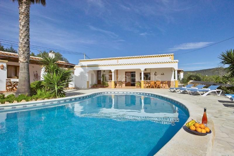Villa Colonial, holiday rental in Sant Josep de Sa Talaia
