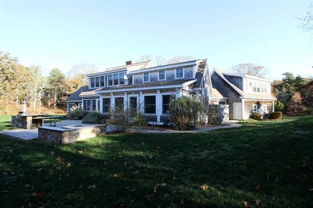 Beautiful Cape Cod vacation home with brand new pool, location de vacances à South Orleans
