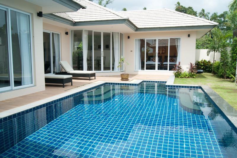 The Place Villas (Two bedroom - 201), location de vacances à Lipa Noi