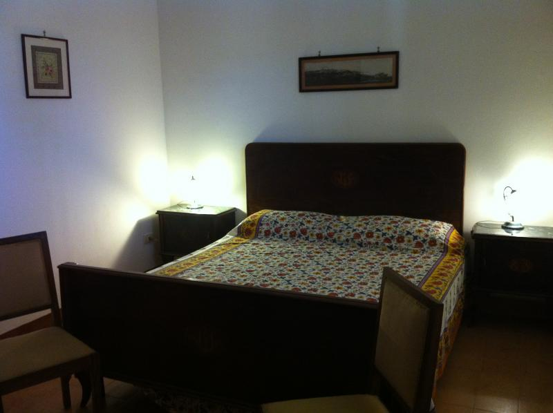 Apartment Tramontana in a beautiful hilltop villa, vacation rental in Sciacca