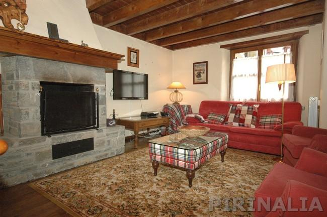 Living room with fireplace Casarilh