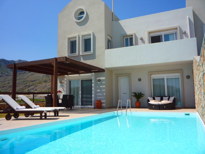 3 bedroom villa with spectacular sea views, private pool & Wi-Fi, vacation rental in Lindos