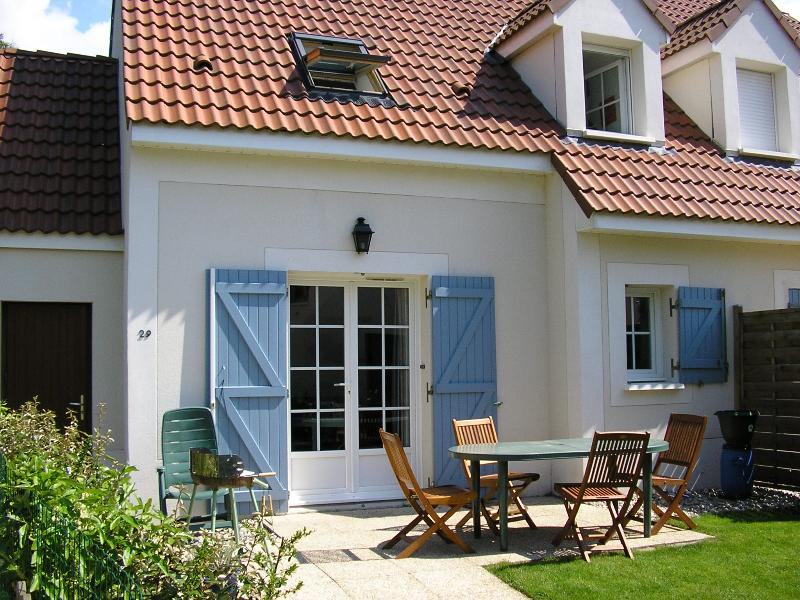 Maison sainte cecile, vacation rental in Villedieu-les-Poeles