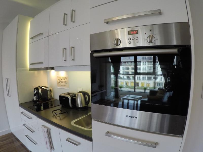 Grill, Oven , Annex Kitchen