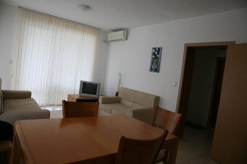 Wohnzimmer / Lounge