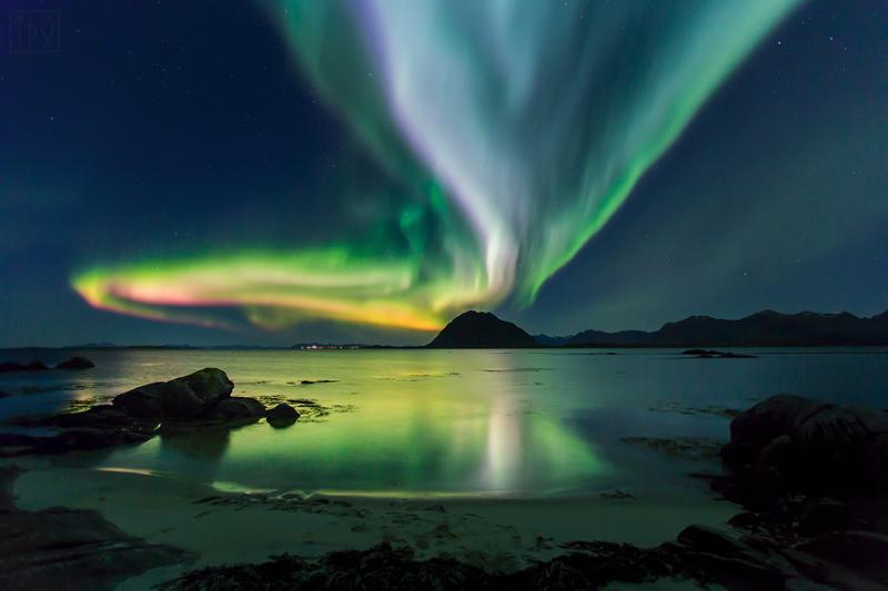 Northern lights seen from Havern Vacation Lofoten