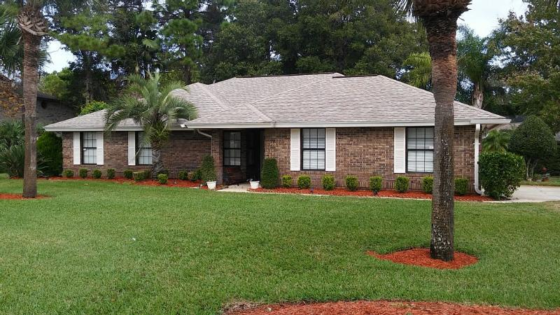 Beautiful Executive Style 3/2 Vacation Home Ready For Your Visit
