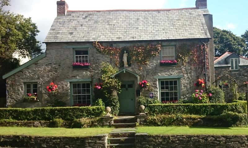 Culloden Farmhouse  17 Century Grade 11 listed farmhouse
