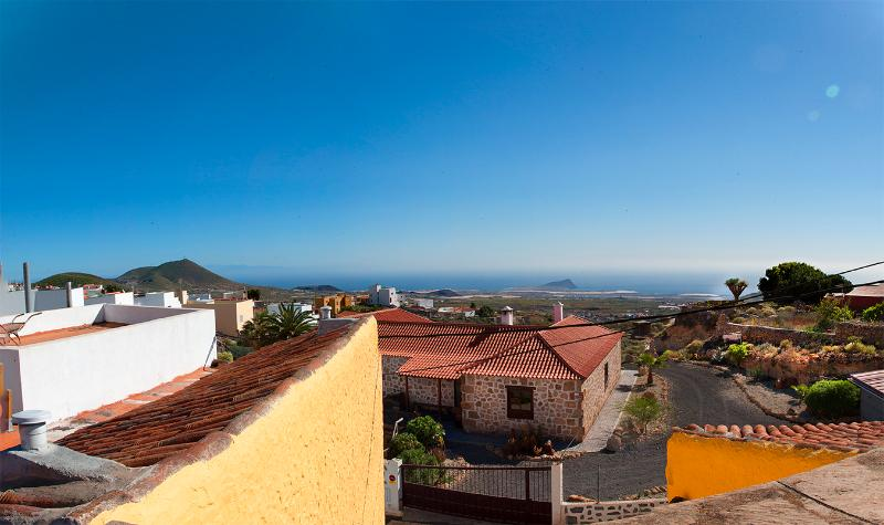 SANSOFI HOSTEL TENERIFE private double room, vacation rental in Las Chafiras