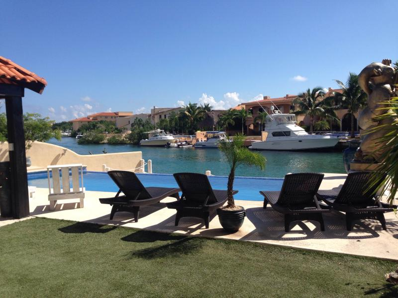 2 bedroom condominium nautica, vacation rental in Puerto Aventuras