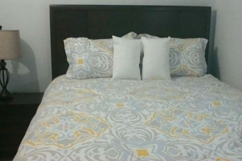 Súper cómoda cama de matrimonio.