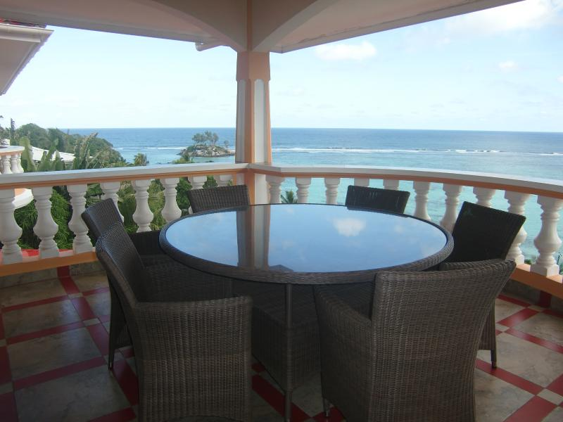 Au Fond De Mer View  self catering - Two bedroom apartment seaview, vacation rental in Baie Lazare